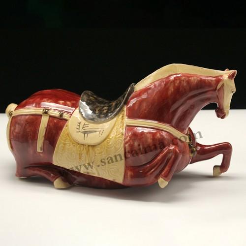 三彩陶瓷马酒红色