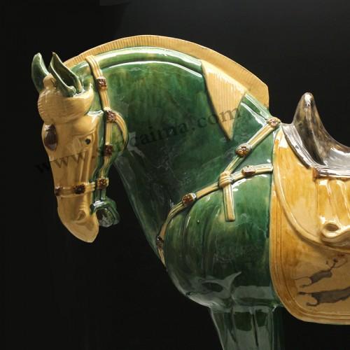 翡翠绿黄马蹄中国马细节