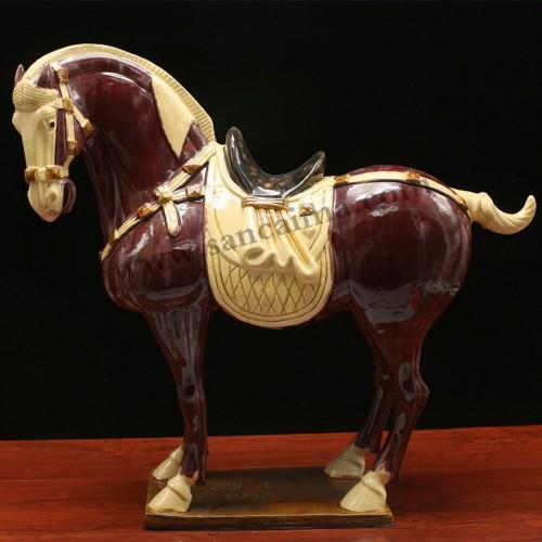 三彩紫酒红中国马侧面