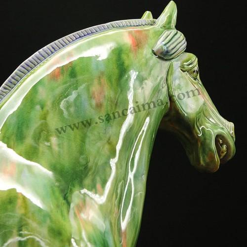 翡翠绿中国马细节