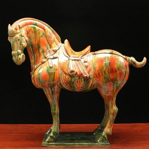 三彩柿子红中国马